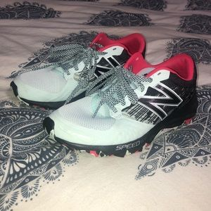 New Balance size 8 tennis shoes